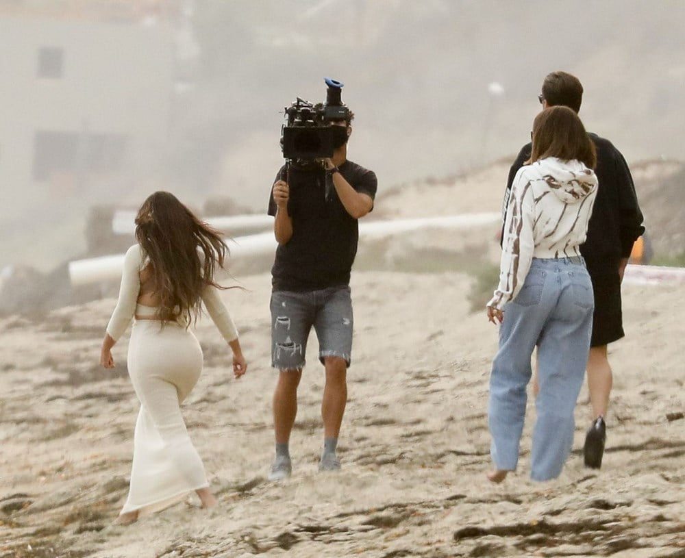Keeping Up With The Kardashians Latest Series Set Photos 3