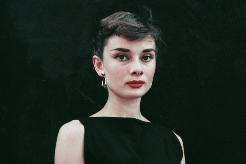 Rare photos of the legendary star Audrey Hepburn are on sale 2