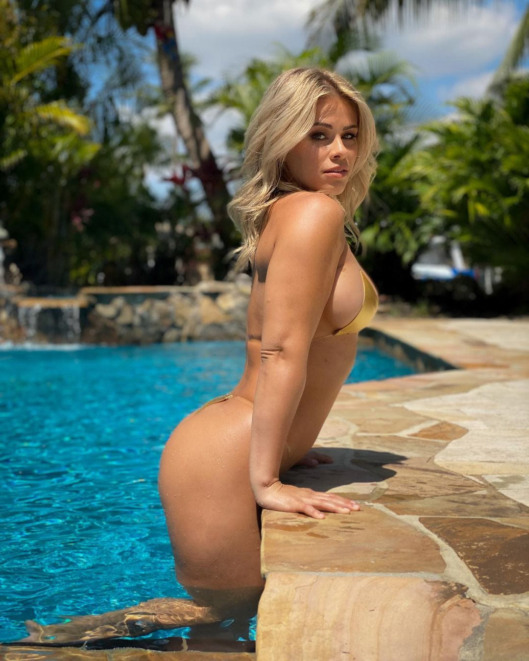 Paige VanZant makes remarks after sharing nude photos with her husband 2
