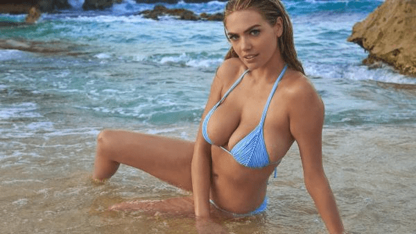 Kate Upton stands out for her sexy moods hot actor and model