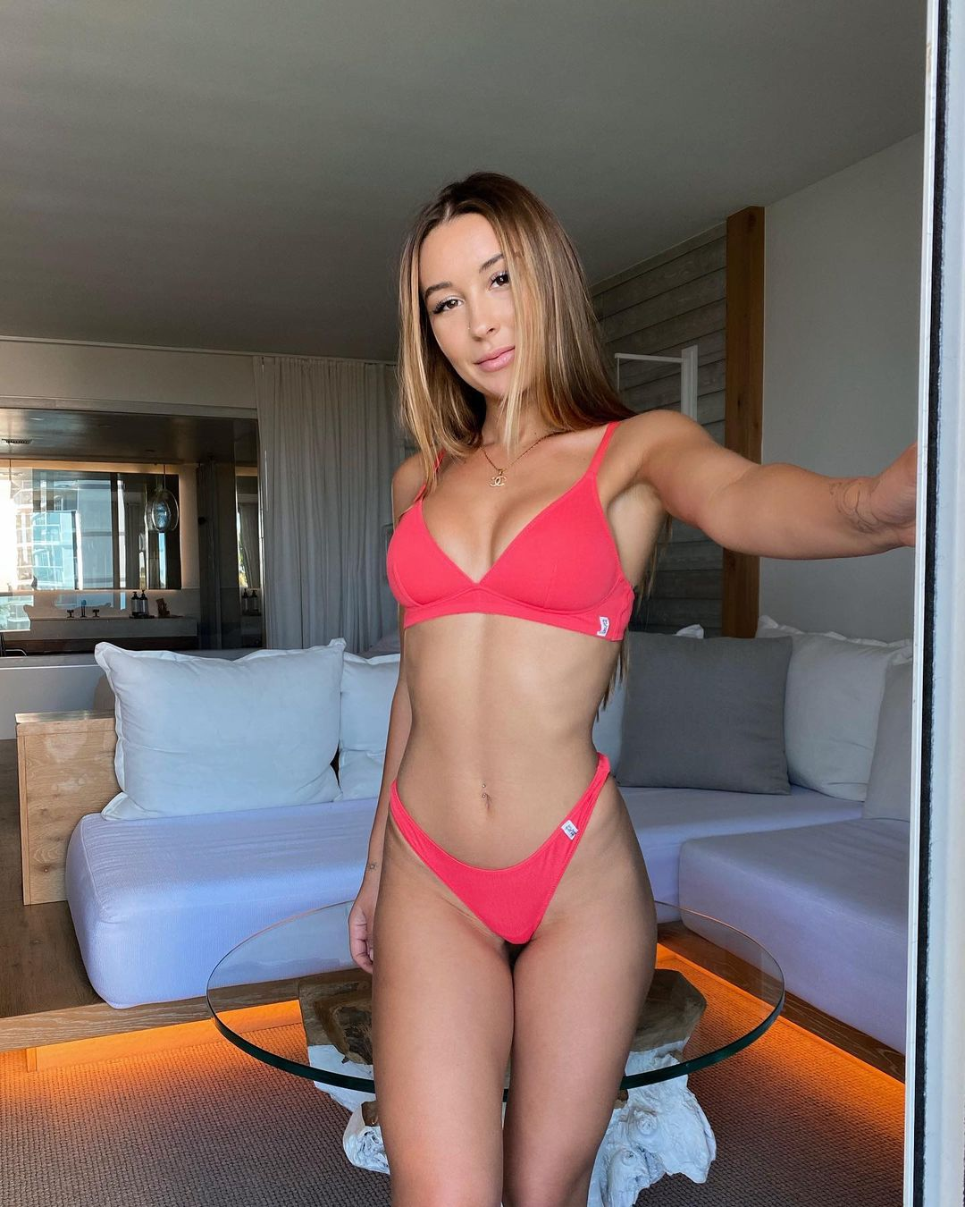 NICKY G nickygile Fascinates Followers with Her Naked Tits 4