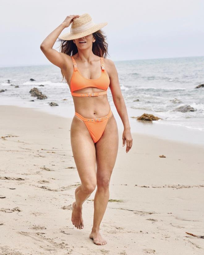 Despite being 54 years old Halle Berry is still a hot actress 2