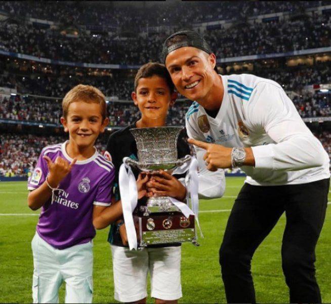 How Many Children Does Cristiano Ronaldo Have Cristiano Ronaldo and his girlfriend set 7 child goals 3
