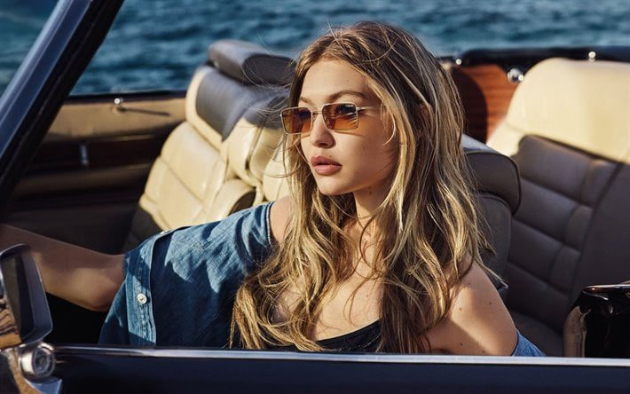 Images of Gigi Hadid with a stroller 2