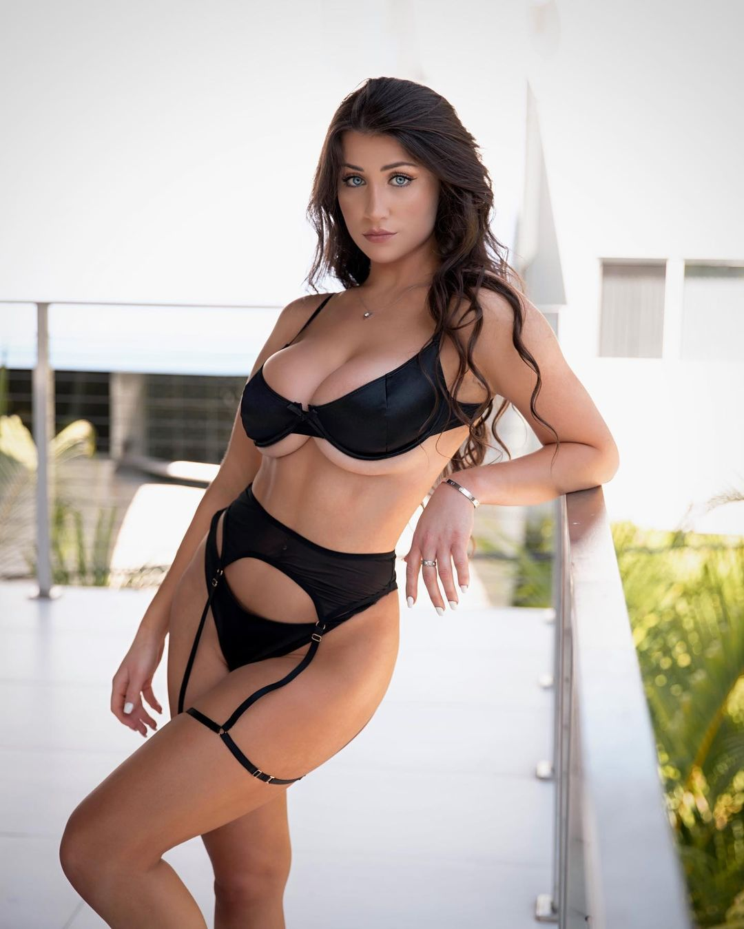 Instagram model Jessica Bartlett beauty and success boost her net worth 8
