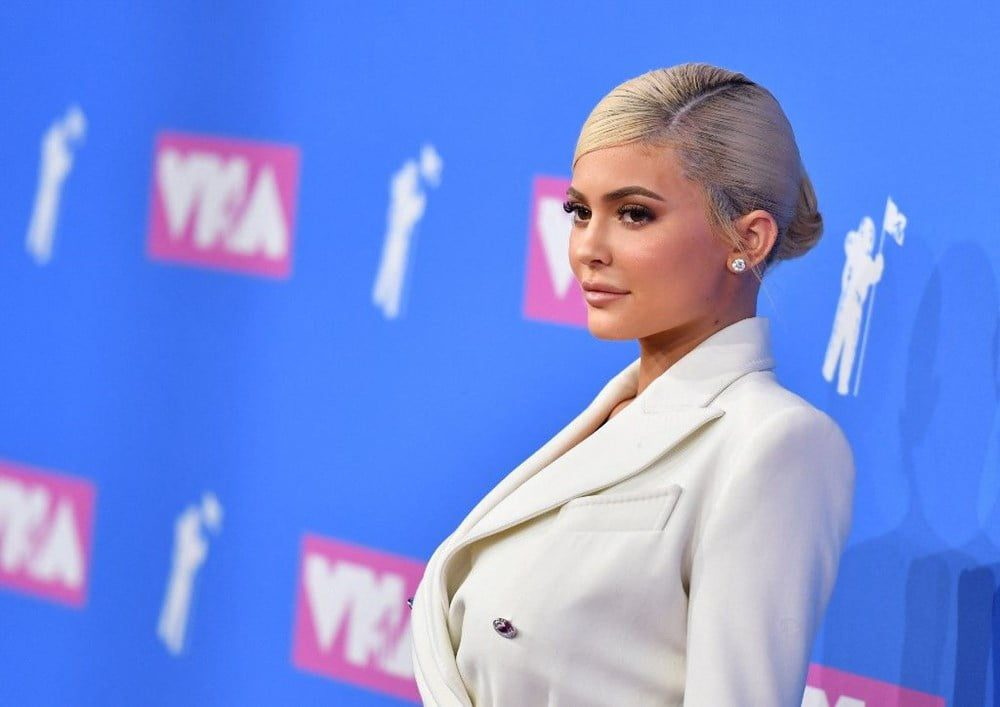 Is Kylie Jenners accidental makeup artist donation call foolish 1
