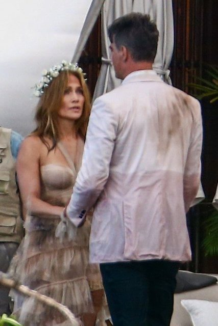 Jennifer Lopez wears a wedding dress for the first time 1
