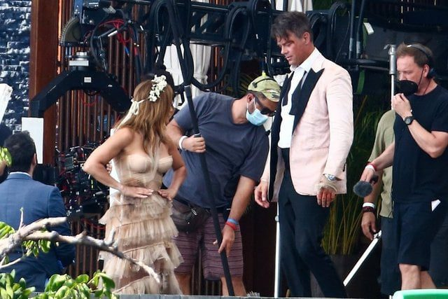 Jennifer Lopez wears a wedding dress for the first time 3