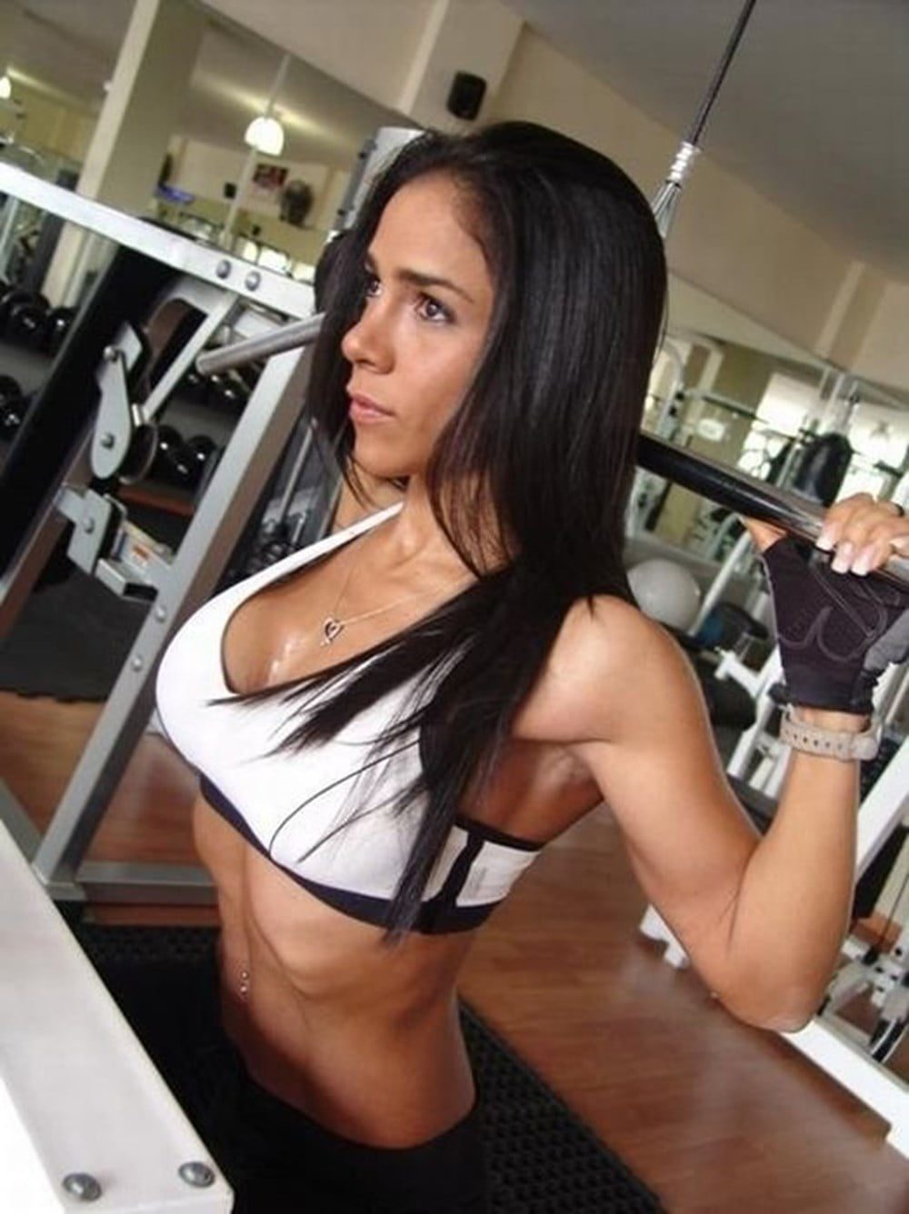 Muscular Girls Who Are Outstanding With Their Appearance 12
