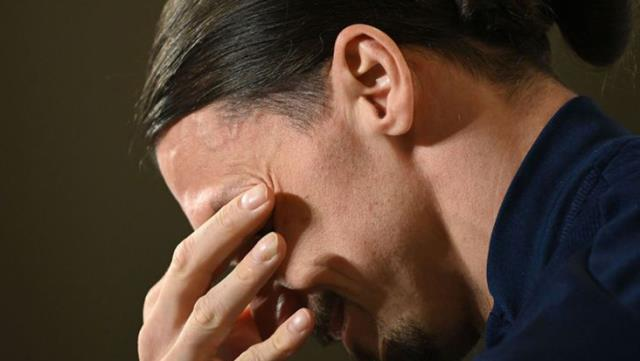Zlatan Ibrahimovic unable to stop tears at Swedish National Team press conference 1