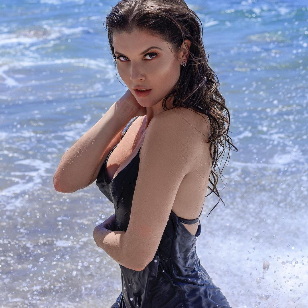 Hot photos of Playboy model and actress Amanda Cerny will take your breath away 21