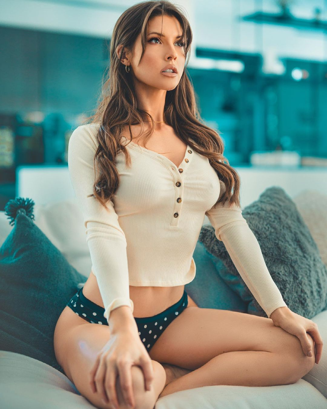 Hot photos of Playboy model and actress Amanda Cerny will take your breath away 3