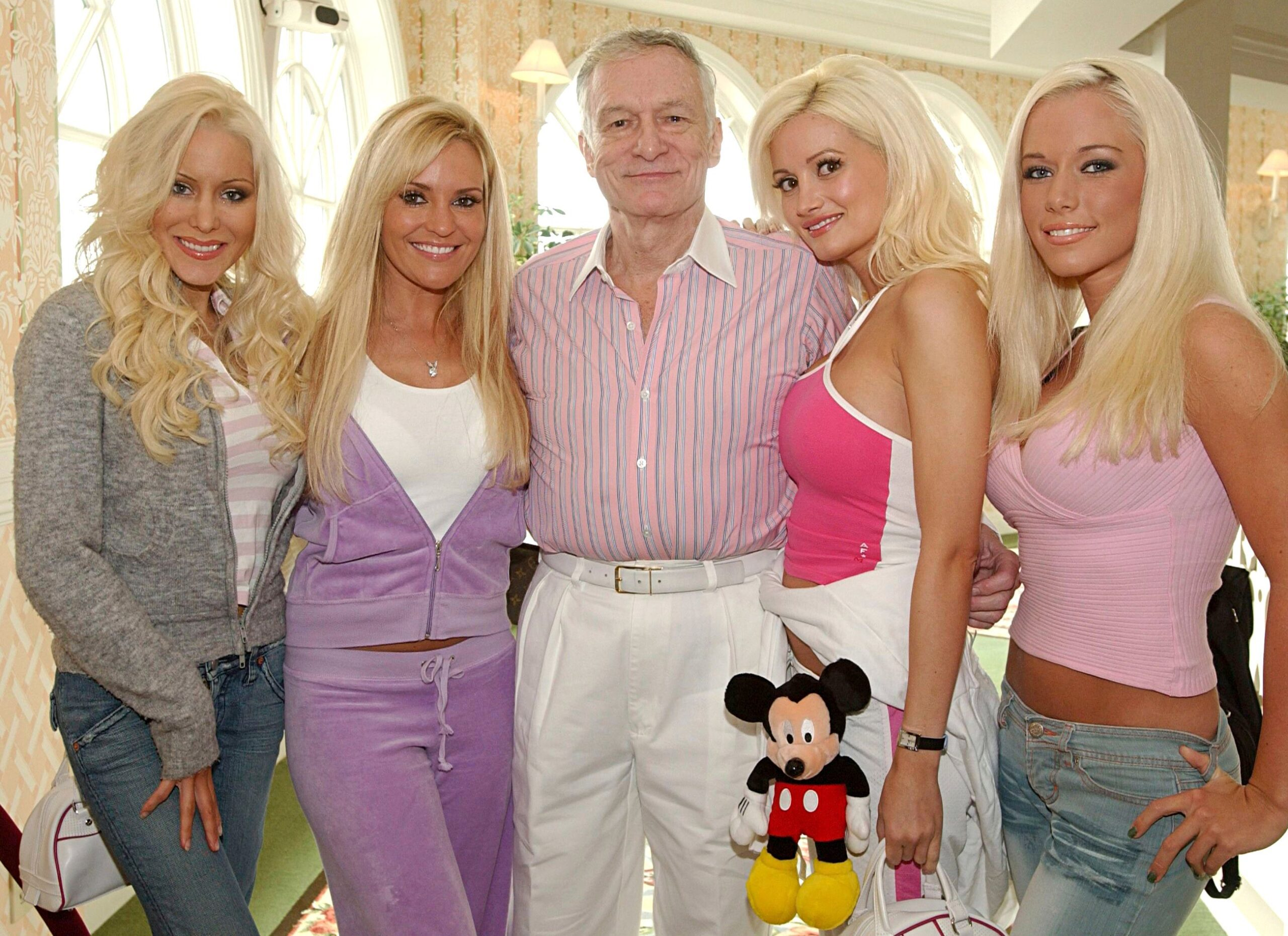 Kendra Wilkinson Statement on Holly Madisons Sexuality and Old Friendship at Playboy Mansion 2 scaled