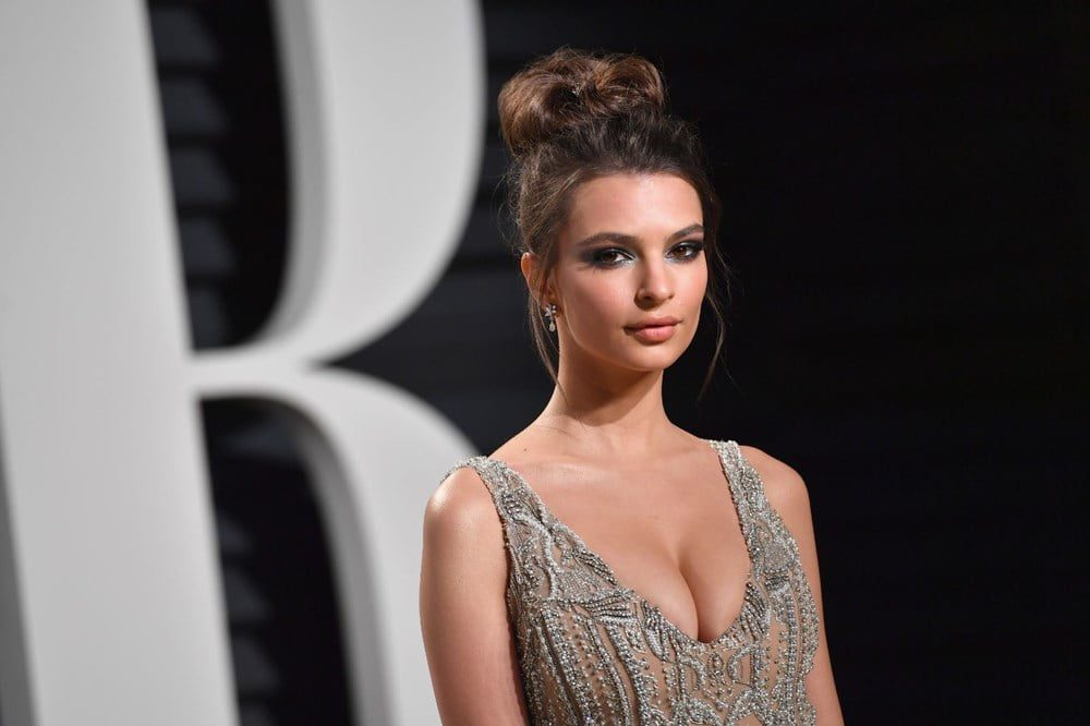 Photos of the popular American model Emily Ratajkowski with her nude work 11