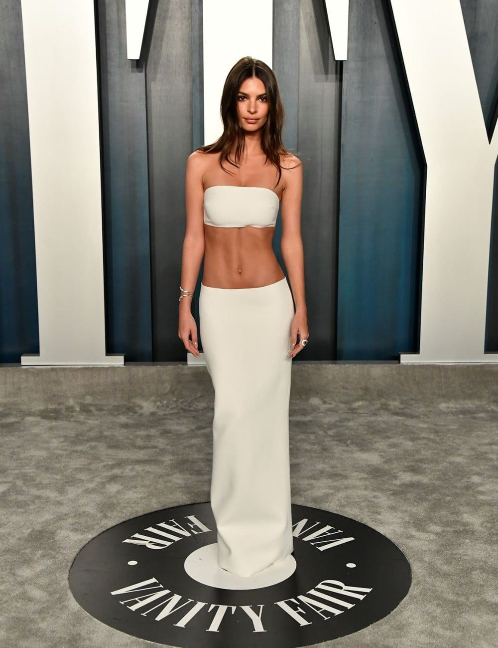 Photos of the popular American model Emily Ratajkowski with her nude work 13