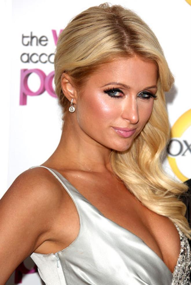 Playboy beauty Paris Hilton speaks for the first time about tape scandal 1