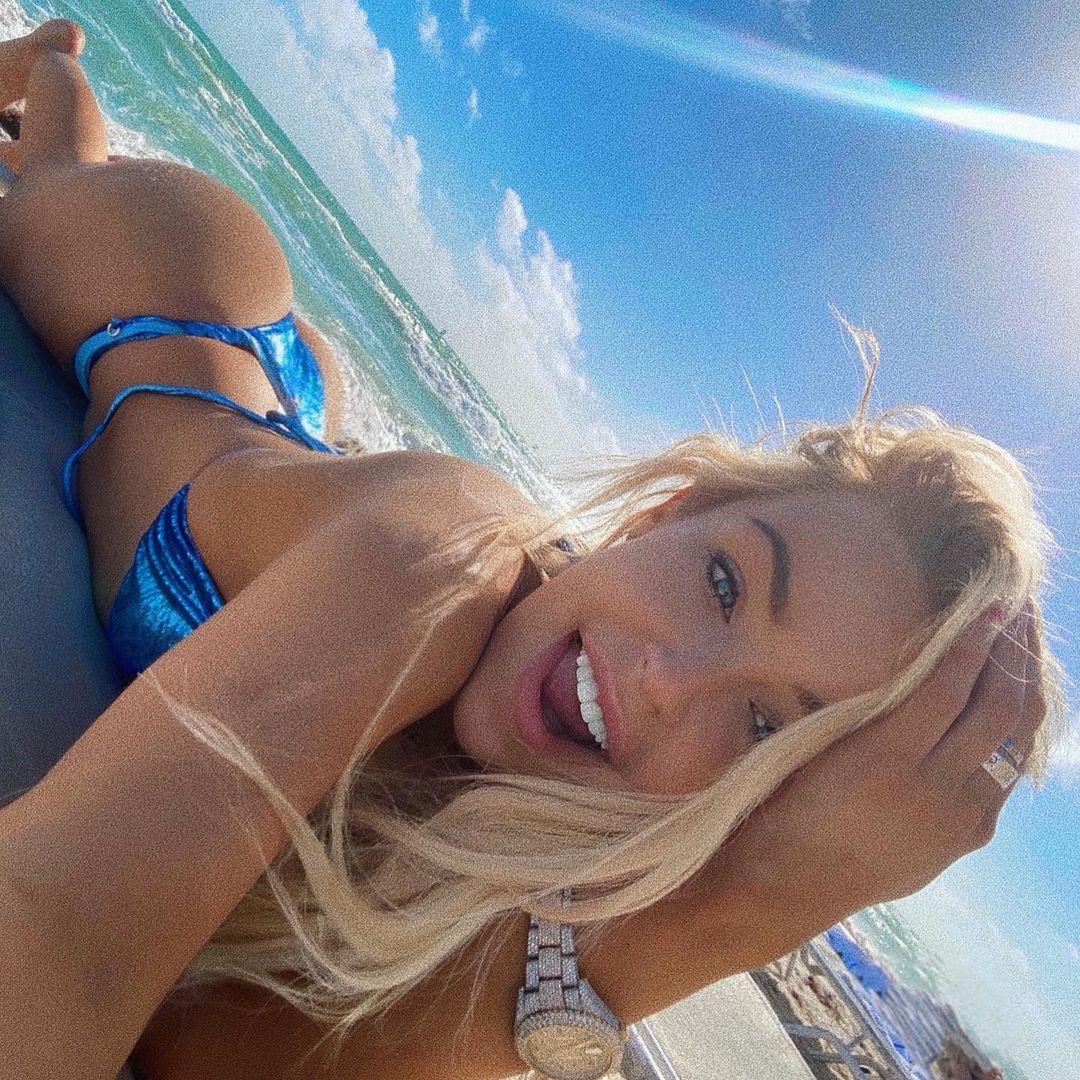Sexy Tiktok and Instagram Phenomenon Tana Mongeau Reach Millions 3