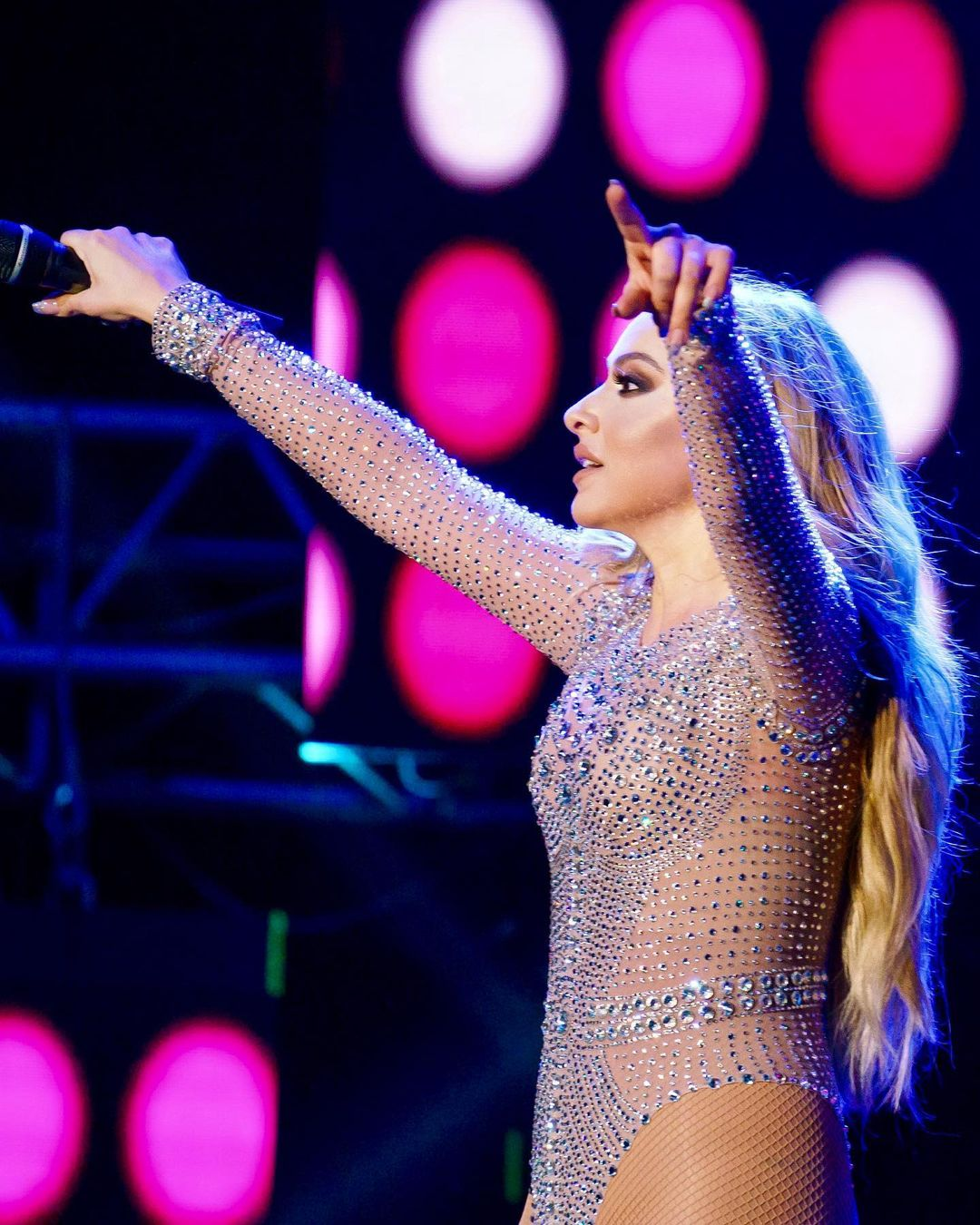 Singer and Model Shown as One of the Sexiest Women in Hadise Country 5