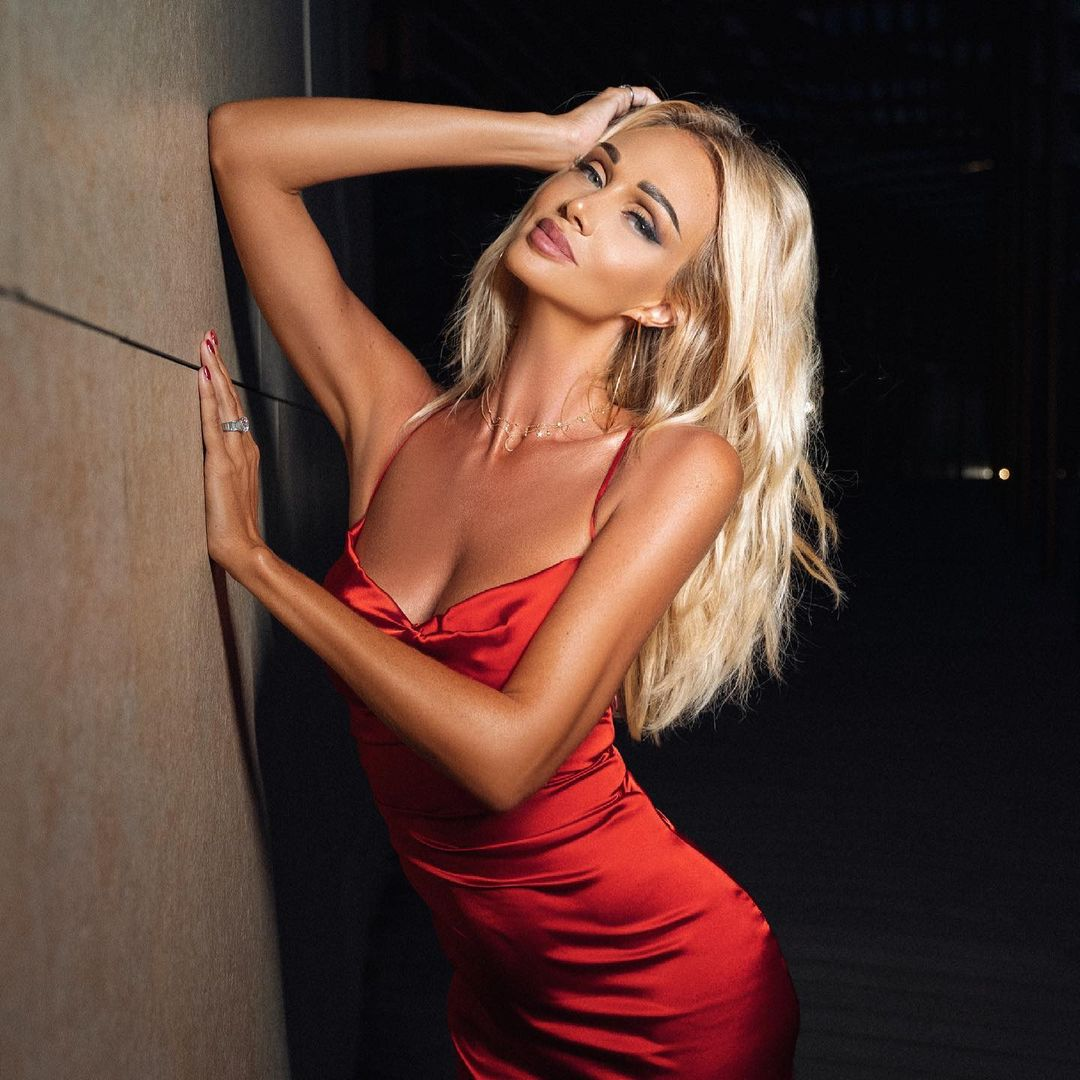 Victoria Lopyreva one of the hottest Russian models of recent times 2