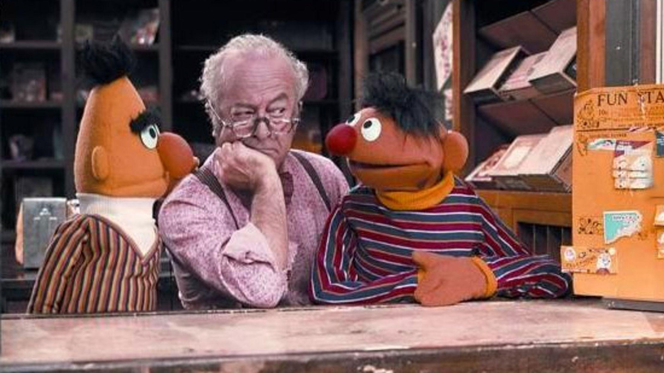 When did Mr. Hooper die How is Sesame Street Lee Death 1
