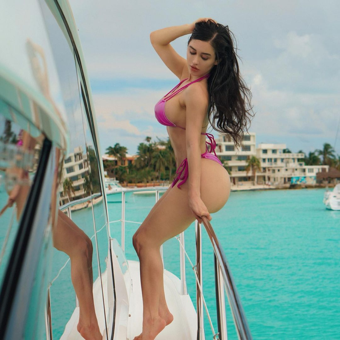 Instagram Model Joselyn Cano Dies The Models Followers Are Still Standing 4
