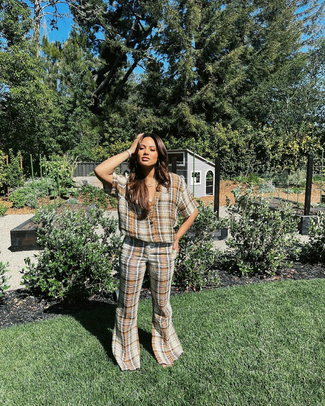 What is Ayesha Currys instagram and net worth 2