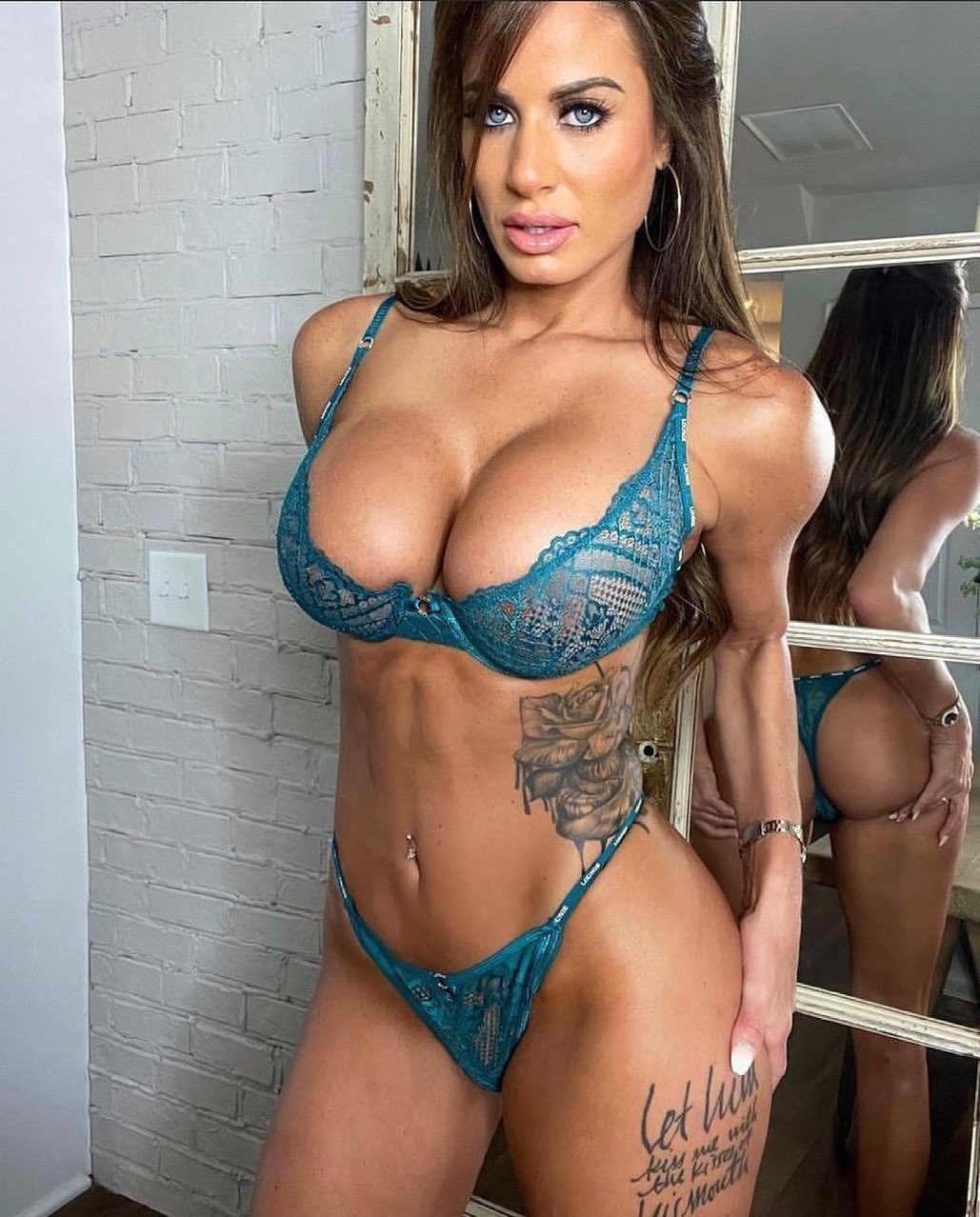 Yvonne bar one of the Instagram models draws attention with its big breasts 3