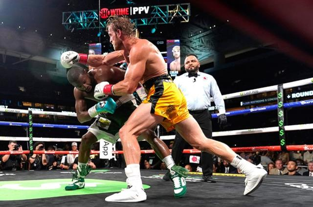 Details that surprised everyone with his success in his fight against Logan Paul Floyd Mayweather 3
