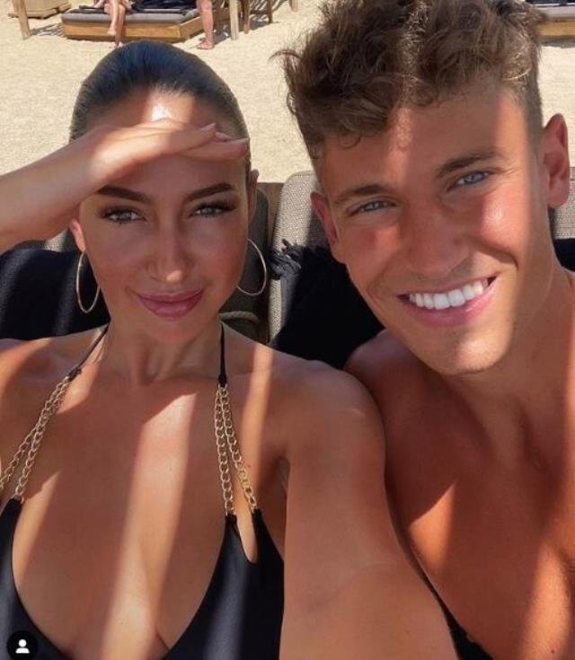Marcos Llorente with his girlfriend Patricia Noarbe Far From EURO 2020 6