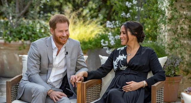 Prince Harry and Meghan Markle who nicknamed their baby Queen Elizabeth offer to reconcile with the Crown 2