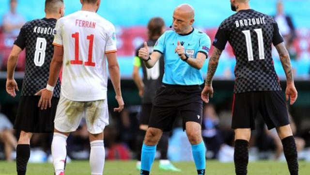 Turkish Referee Cuneyt Cakir one of the best referees of EURO 2020