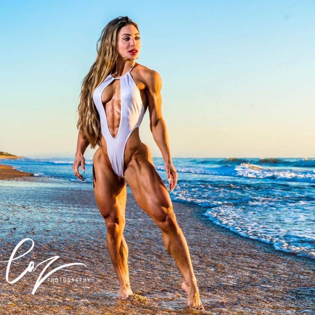 Who is Sunny Andrews one of the most muscular women in the world 1