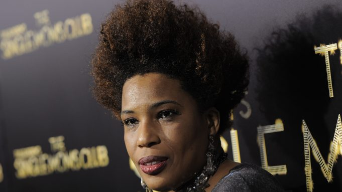 Why Does Macy Gray Want The American Flag Renewed 2