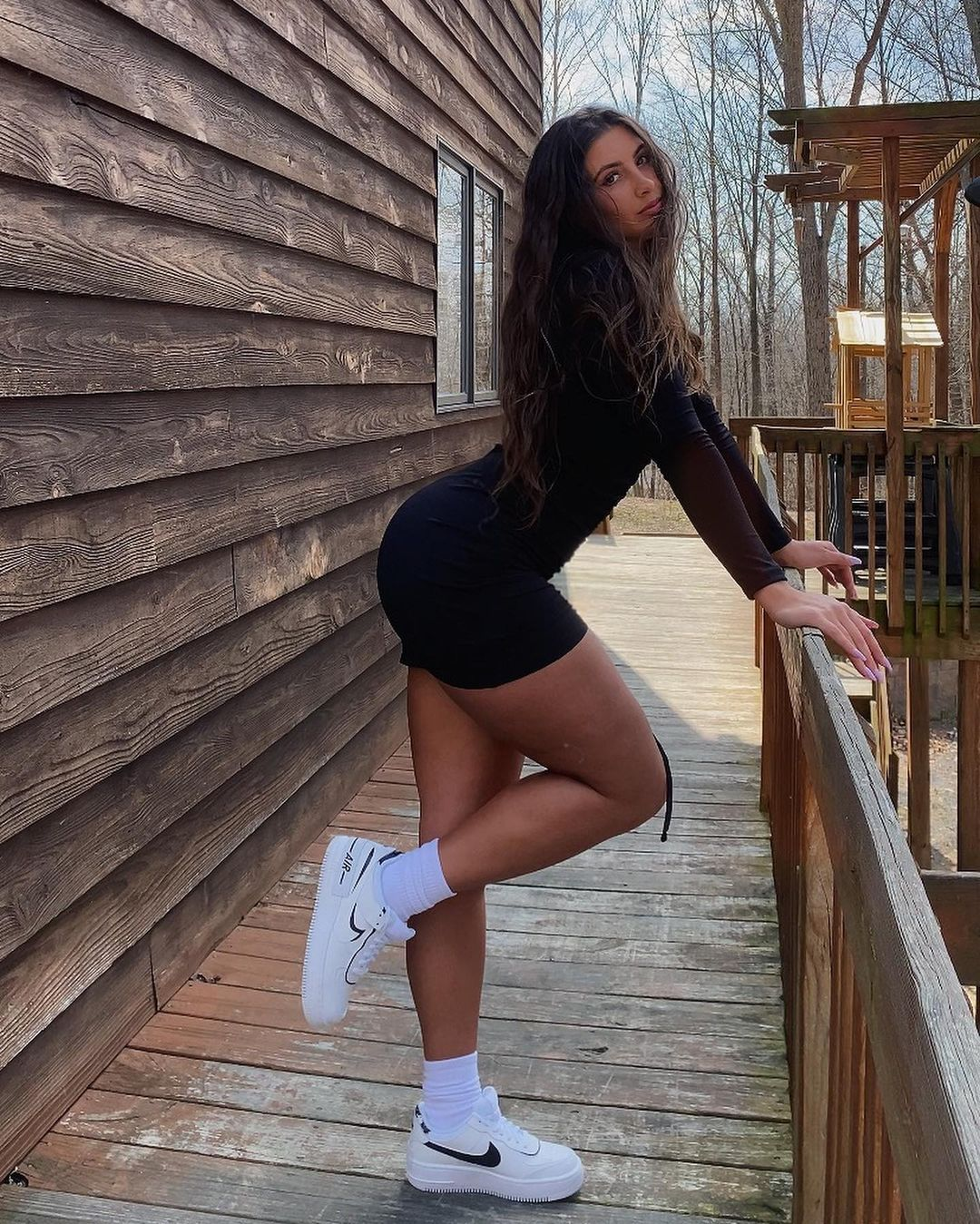 dnewberryy claims to be one of the prettiest hip girls on Tiktok 4