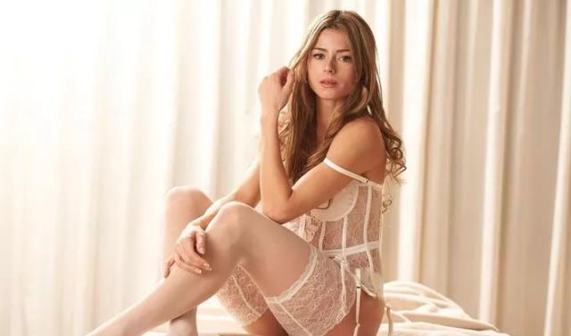 Take a closer look at Camila Giorgis lingerie poses as she talks about 4