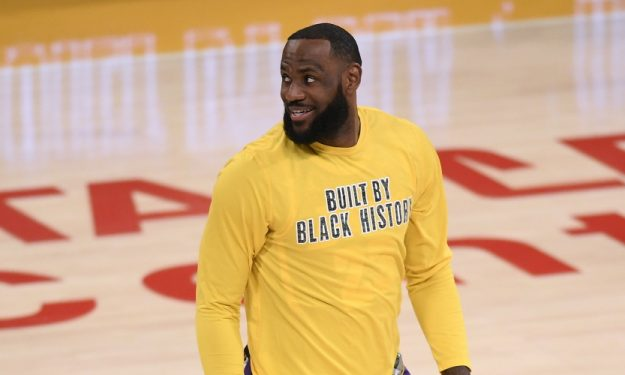 5ad4dfb9 lebron james smiles los angeles lakers getty images 625x375 1