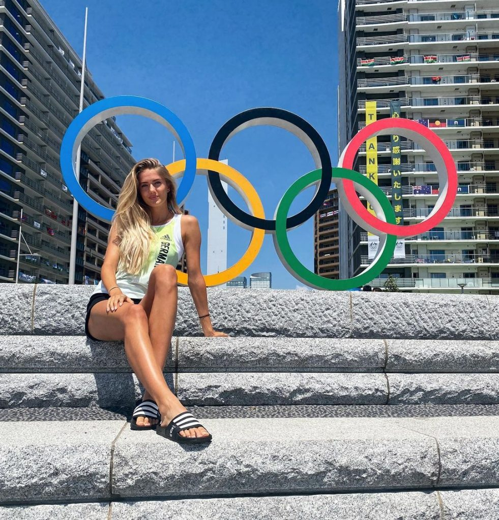 Beautiful Athlete of 2020 Olympics Alica Schmidt Runner with Top Model Charm 1