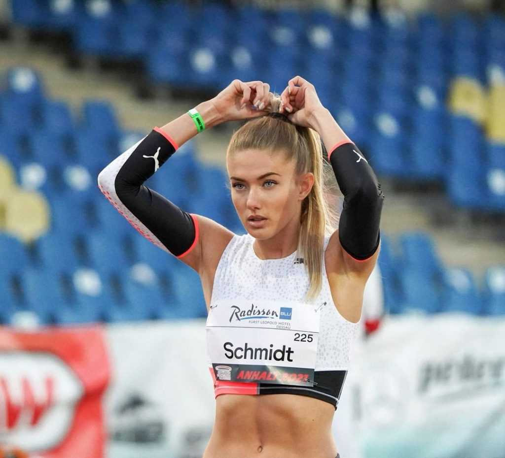Beautiful Athlete of 2020 Olympics Alica Schmidt Runner with Top Model Charm 3