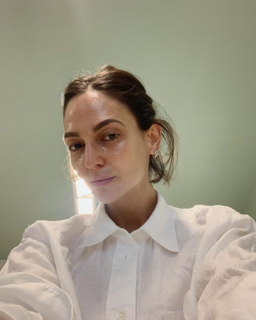 Ilenia Toma shares her exclusive fashion designs on Instagram 3