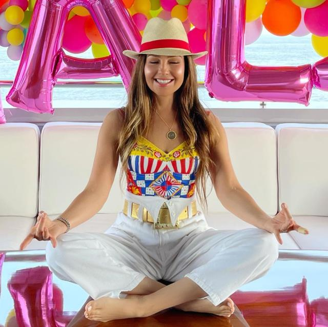 Singer Thalia youthful look challenges youth 1