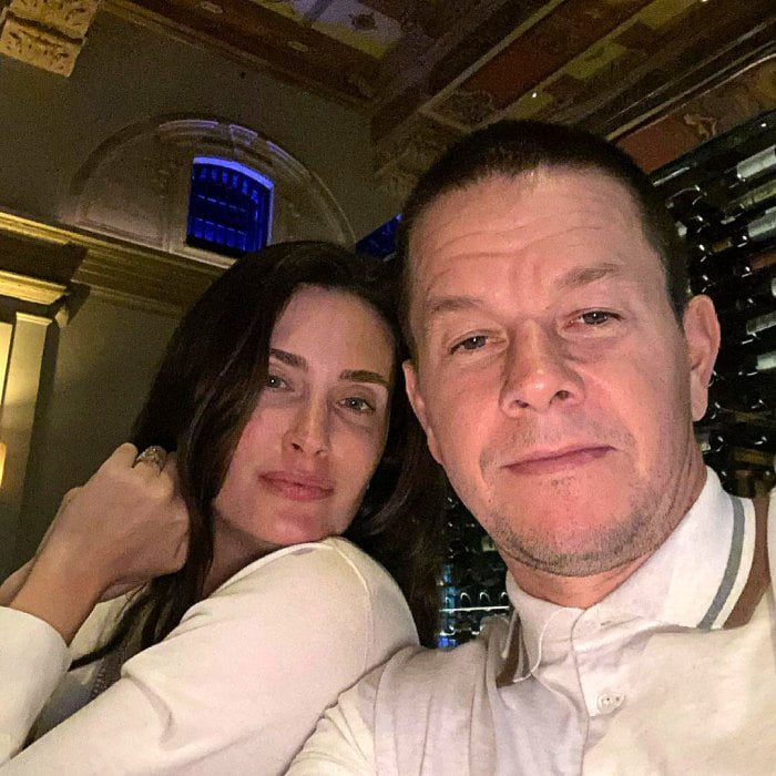 The Happy Marriage of Mark Wahlberg and Rhea Durham 5