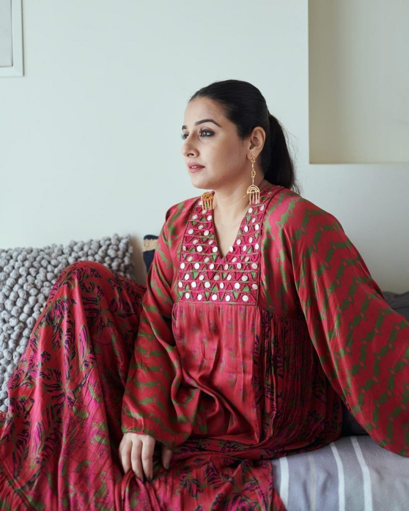 Vidya Balan brings comfort fashion to the fore with this flowy suit 1