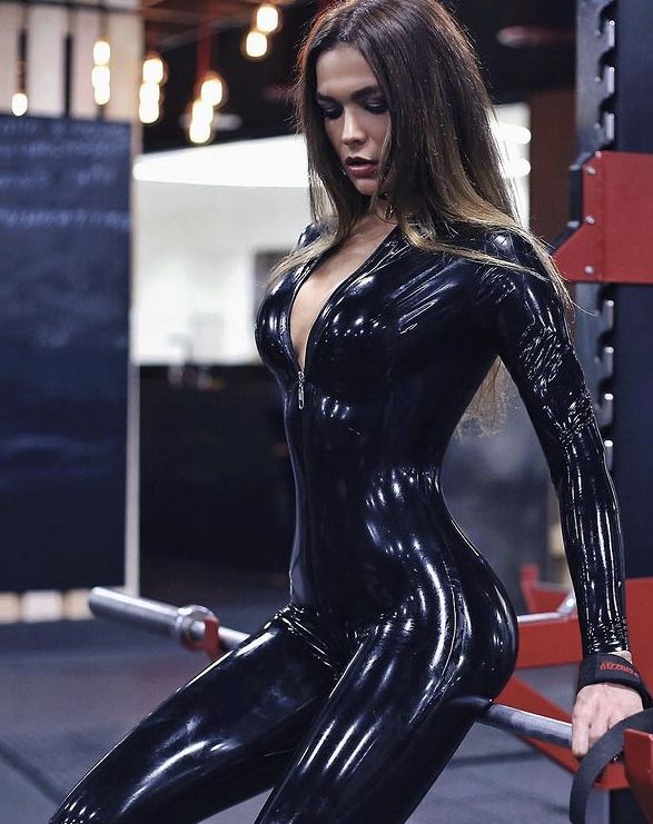 Kinky Latex trend has become popular with models on Instagram 1